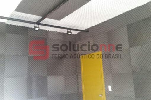 Espuma Acústica nas Cores Branca e Grafite Estúdio Adoniram