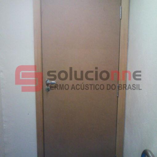 Espumas Acústicas na Cor Grafite e Portas Acústicas em Belo Horizonte