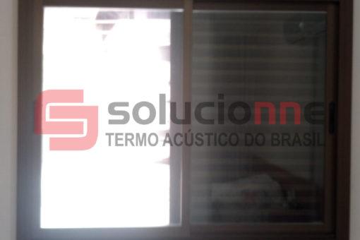 Janela Acústica de Correr Sobreposta na Cor Bronze no Bairro Floresta em Belo Horizonte