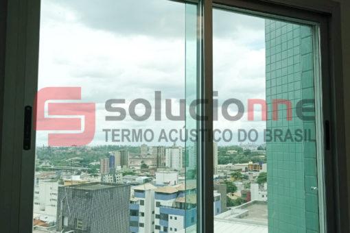 Janela Acústica de Correr Sobreposta no Barreiro em Belo Horizonte