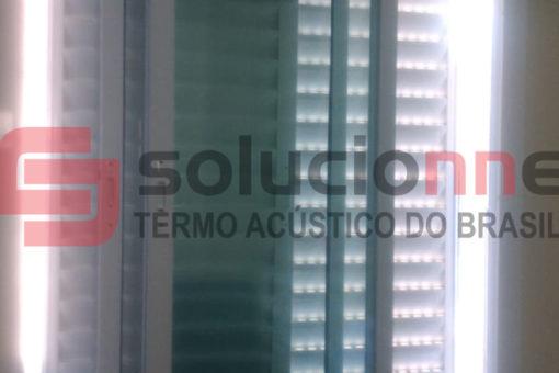 Janela Acústica na Cor Branca 141cm x 120cm em Belo Horizonte